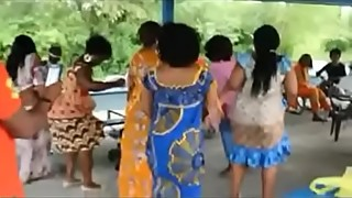 African milfs shaking their asses at the cookout