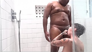 shower sex and facial (onlyfans.com/kingsplayhouse)
