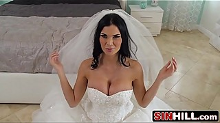 Horny British Bride Jasmine Jae Sucks Cock in a Honeymoon Suite